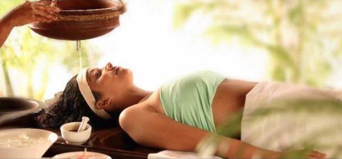 Shirodhara Therapy - Panchakarma Therapies :: Chopra Ayurveda Surrey